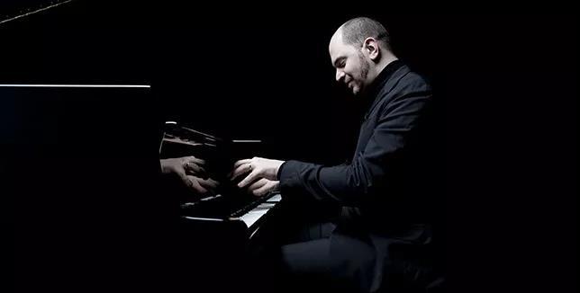 俄罗斯钢琴家Kirill Gerstein