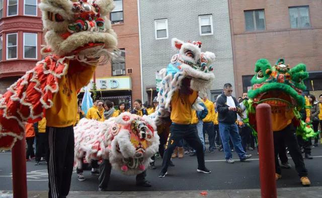 周日:费城太阳队舞狮游行